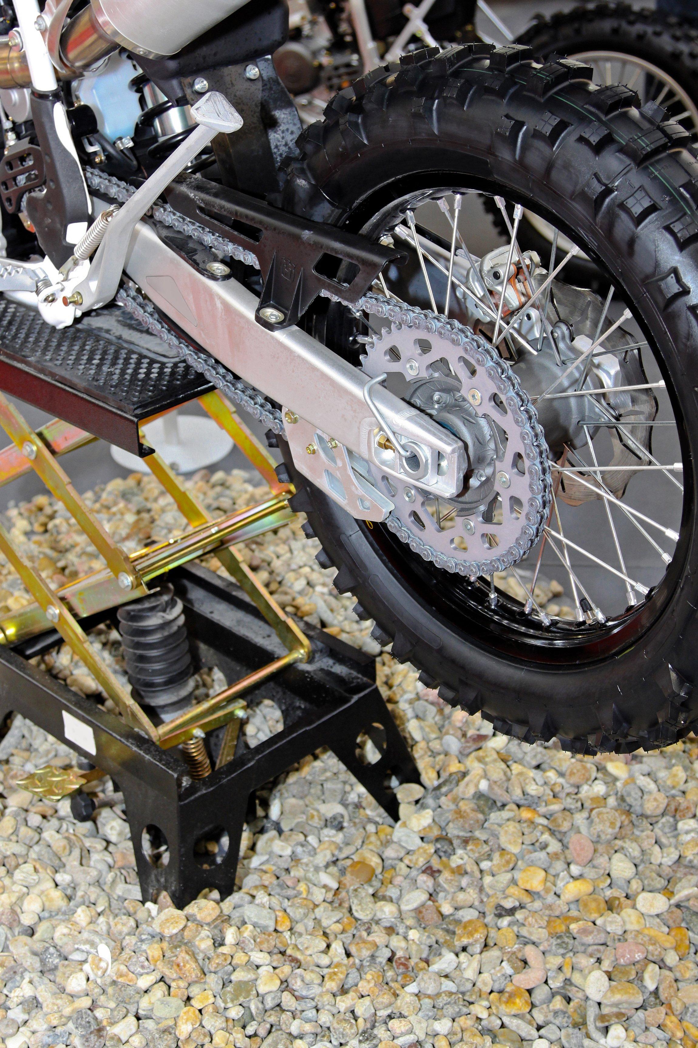 Motorrad auf Heber