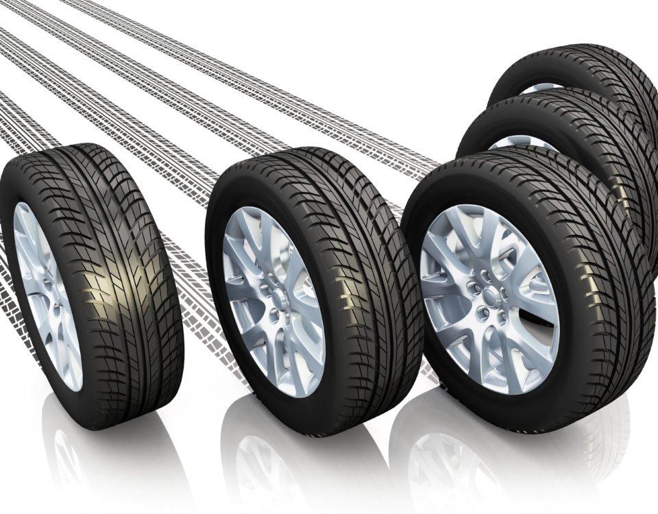 Sommer- und Winterreifen oder Ganzjahresreifen - Welche Reifen benötigt Ihr Auto?