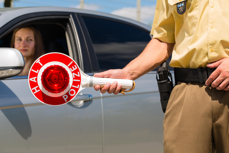 Ist ein Wagenheber im Auto Pflicht?