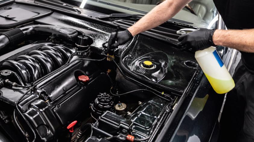Motorwäsche - Reinigung des Motors